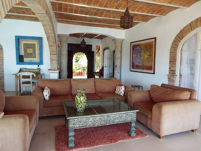 alternative lodging - villa rental