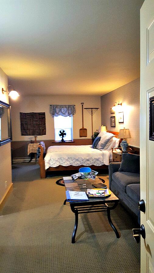 Zuber S Homestead Hotel Glimpse Of Amana Room Colonies Iowa