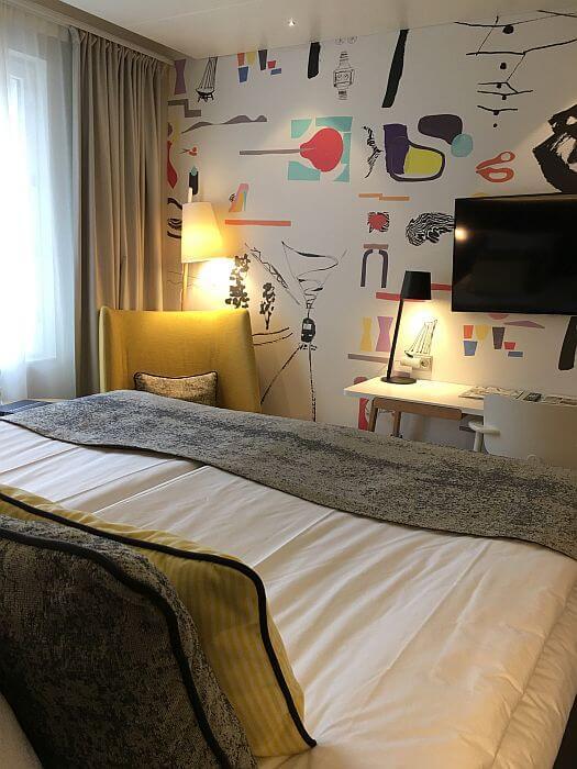 Mural in guest room Hotel Indigo Helsinki - Boulevard