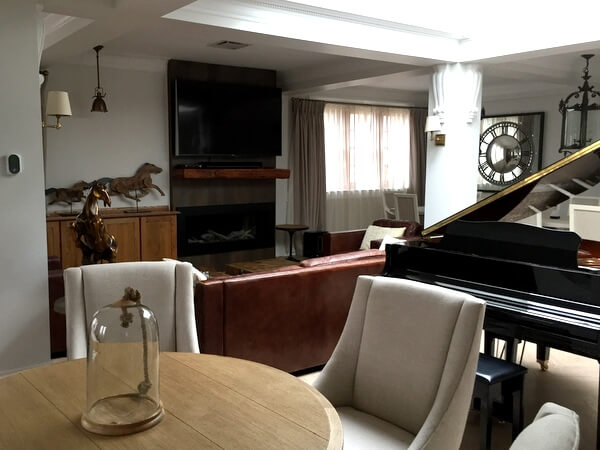 Royal suite living room, Hotel Port-Royal, Quebec City, Canada