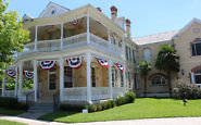 Historic Olivia Mansion in Seguin, TX: A Road-Trip Find
