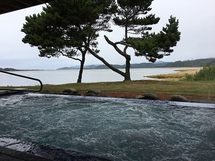 Infinity hot tub at the Spa at Salishan Resort