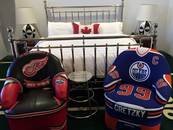 Game Time suite, Retro Suites, Chatham, Ontario, Canada