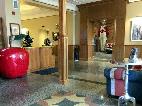 Lobby, Retro Suites, Chatham, Ontario, Canada