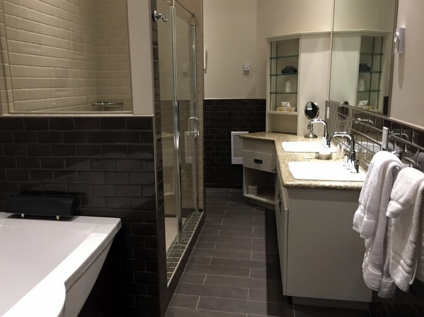 Urban Studio Bathroom, Retro Suites, Chatham, Ontario, Canada