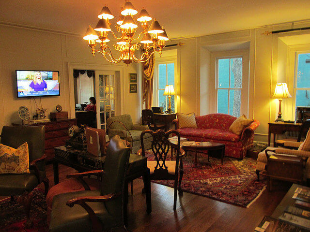 lobby, carriage house inn, bed and breakfast, boutique hotel, aiken, south carolina