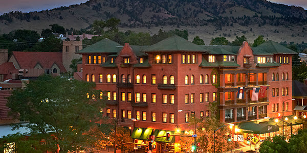 Historic Hotel Boulderado : Located 1 block from the Famous Pearl Street Mall in Boulder, Colorado.