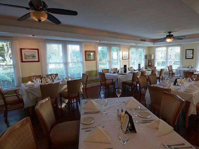 Restaurant at Tarpon Lodge north of Fort Myers, south of Cape Coral