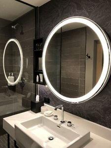 Guest bathroom Kimpton Sawyer Hotel