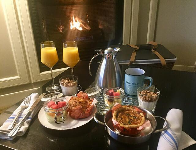 breakfast basket, room service, sanctuary beach resort, marina, california hotel