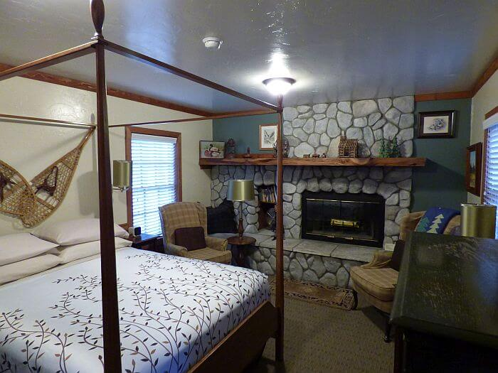 Bed and Breakfast room at Strawberry Creek Idyllwild