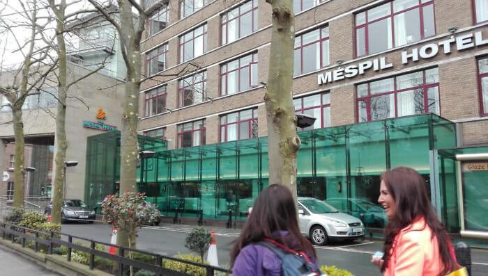 exterior view pedestrians by Mespil Hotel Dublin