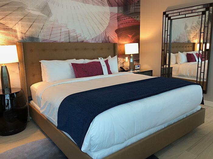 Guest room Hotel Indigo Los Angeles Downtown