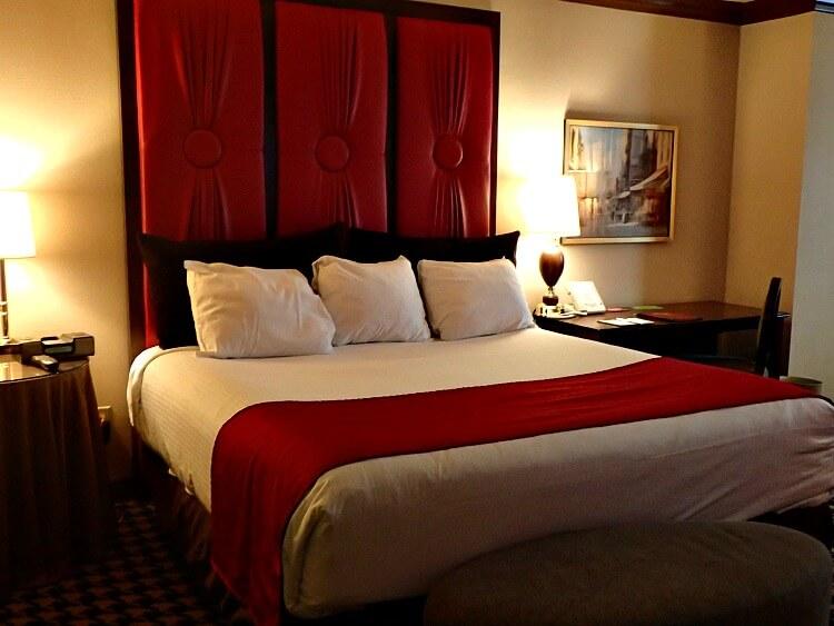 red room at paris las vegas