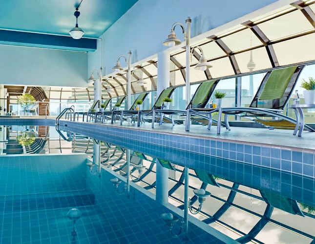 Chelsea Hotel Toronto, Deck 27 Pool