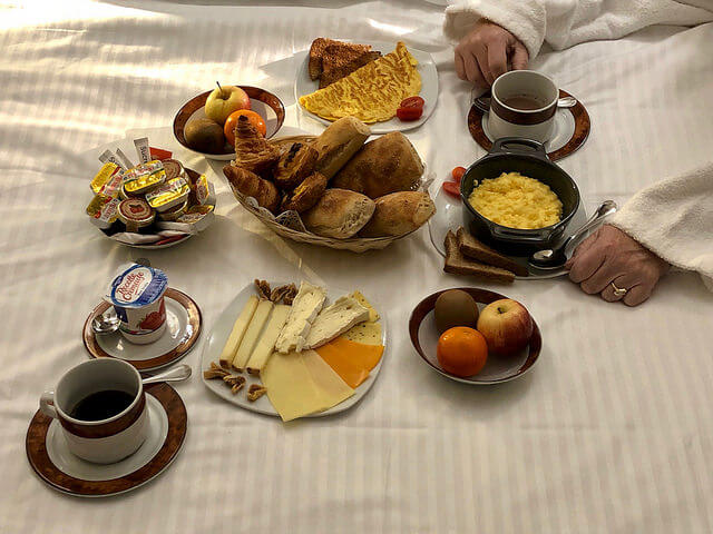room service, breakfast in bed, hotel bayonne etche ona, best western premier, bordeaux, france