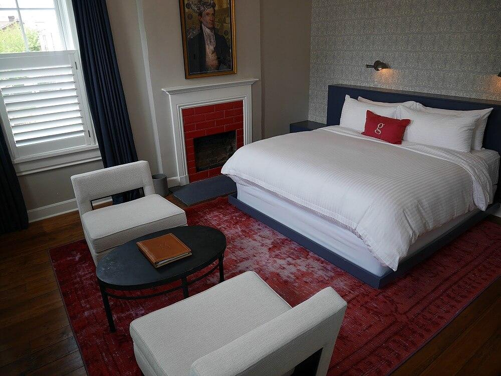 Monroe room at Germantown Inn