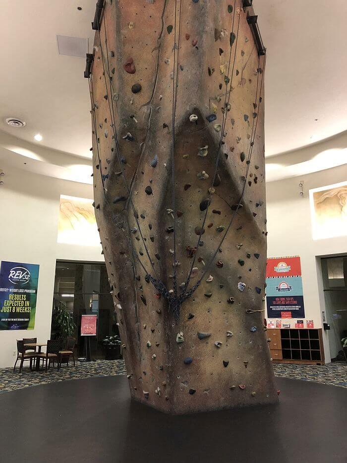climbing wall at ClubSport