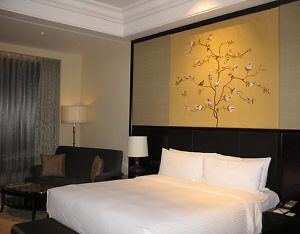 Guest room, Wyndham Grand Xi'an South, China (Photo by Susan McKee)