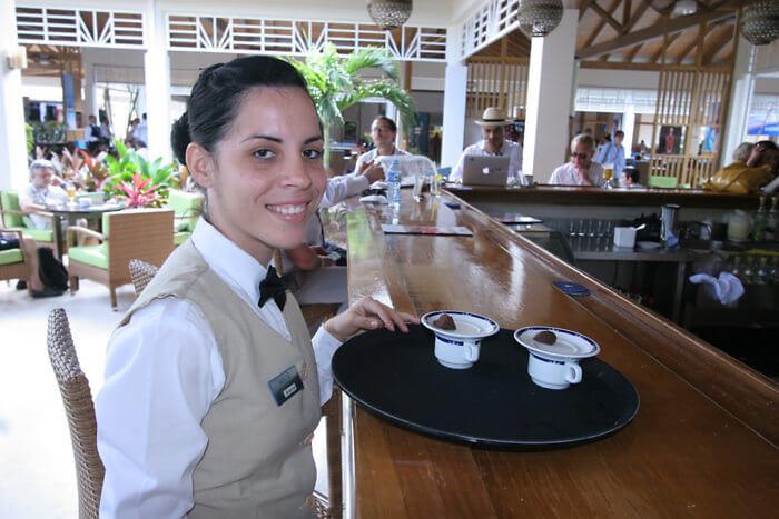 cayo coco cuba, melia jardines del rey, bar waitress