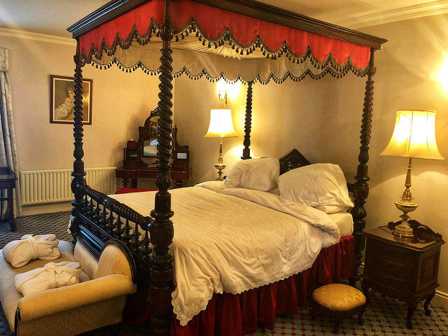 jonathan swift suite, four poster bed, irelands blue book hotel, letterkenny, ireland, county donegal