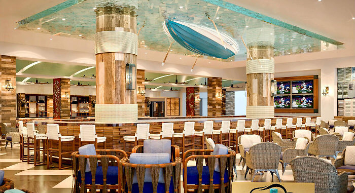 The place to hang out -- Jack's Landing, lobby bar. Photo: Panama Jack Resorts Cancun Mexico