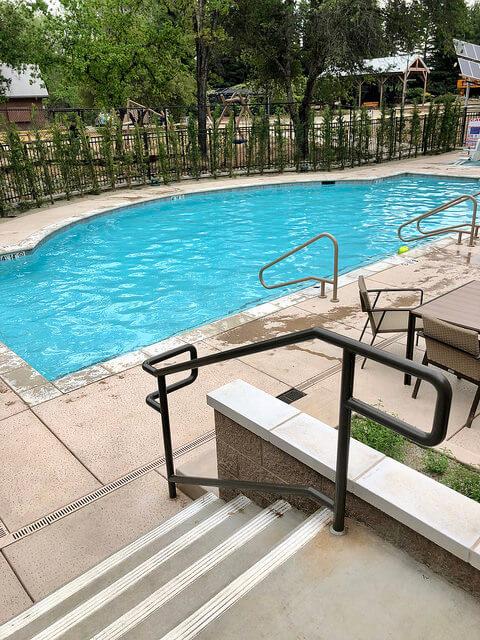 sheraton redding hotel at sundial bridge swimming pool, family-friendly pool in redding, california