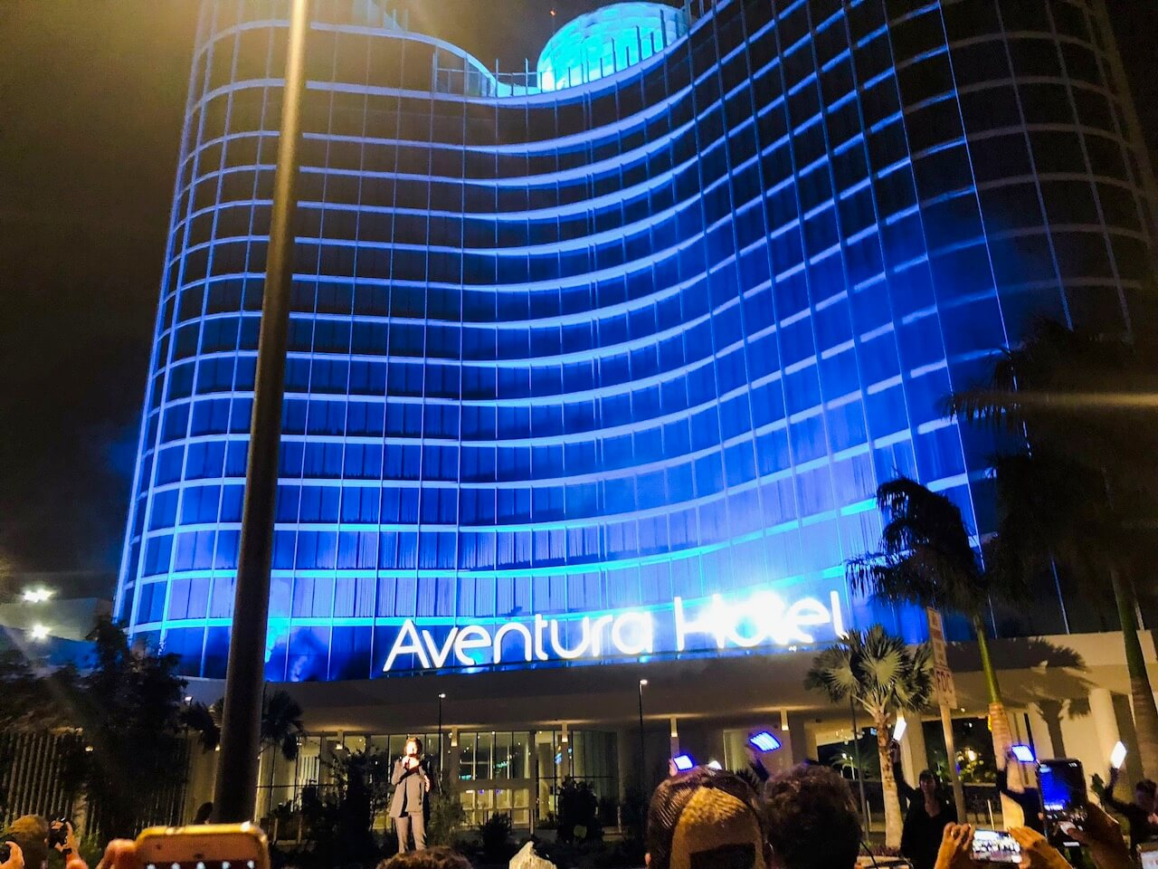 exterior of Aventura hotel at Universal Orlando Resort
