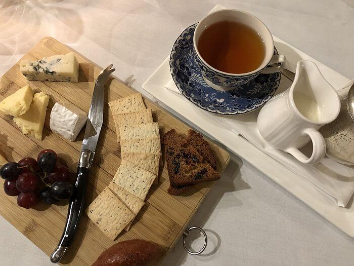 cheese plate at Eleonore's Restaurant, at Chateau Yering Hotell