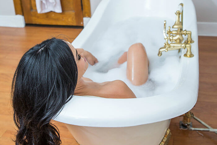 What is more romantic than a soak in a claw-foot bathtub? Photo Credit: Oxford Hotel Denver.