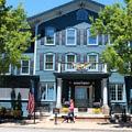 Sherwood Inn Outside