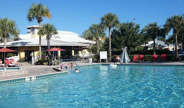 Wyndham Orlando Resort swimming pool