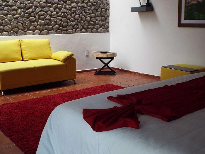 Los Suspiros hotel bedroom