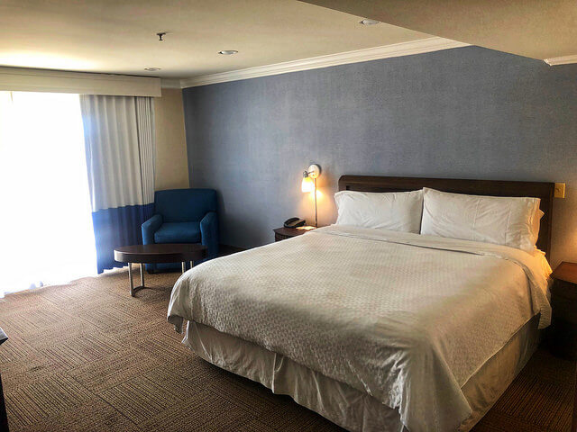 king bed, four points by sheraton ventura harbor resort, ventura, california hotel