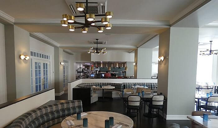 Restaurant at Fenway Hotel near Clearwater Beach in Florida