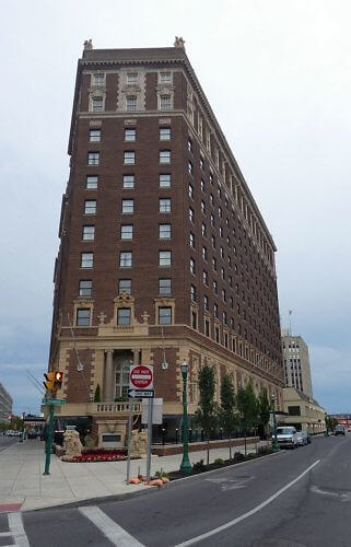 Exterior of historic Hotel Syracuse became abandoned before reopening as a Marriott