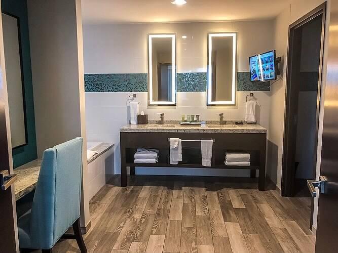 bathroom at river spirit casino