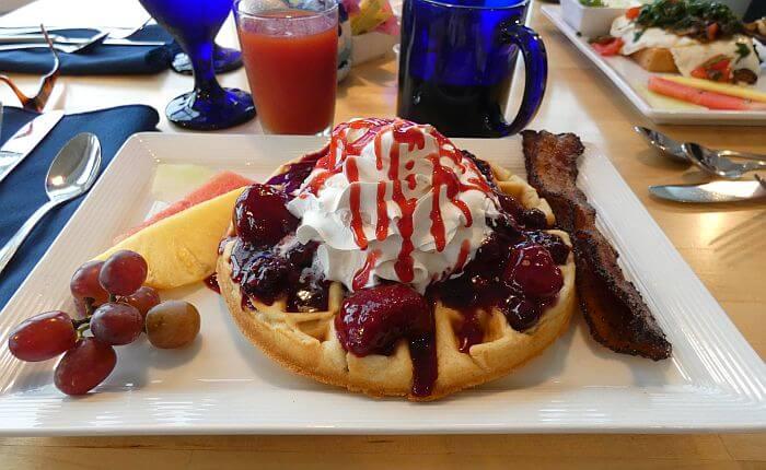 Marker 8 Hotel breakfast waffle