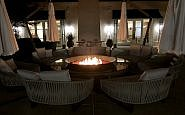 hyatt regency sonoma wine country courtyard, hotel fire pit, downtown santa rosa california
