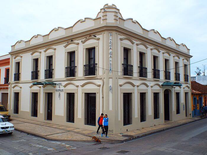 Plaza Gallery: In the Heart of San Cristobal, Chiapas