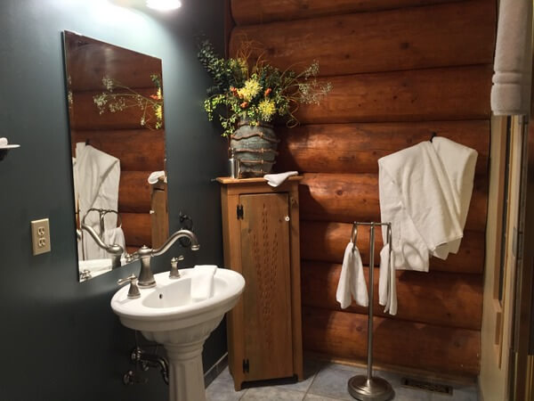 Bathroom, Inn on the Lake, Whitehorse, Yukon, Canada