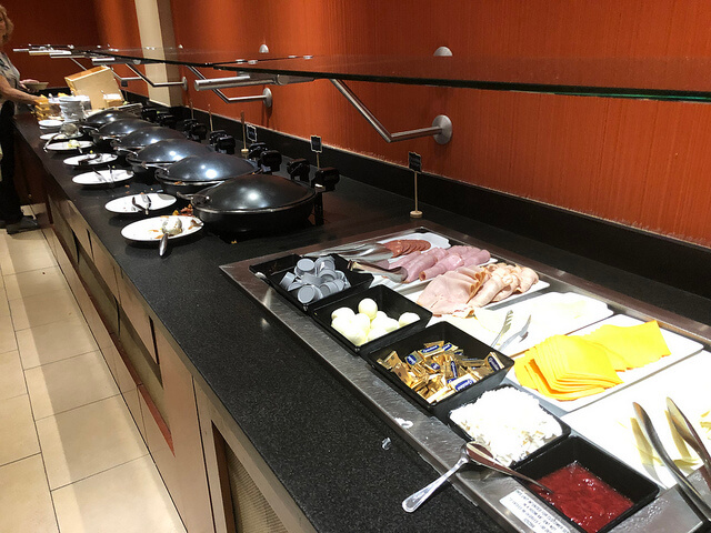cane fire grille, breakfast buffet, miami airport marriott hotel