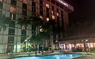 miami airport marriott hotel, marriott swimming pool, miami airport hotel, florida