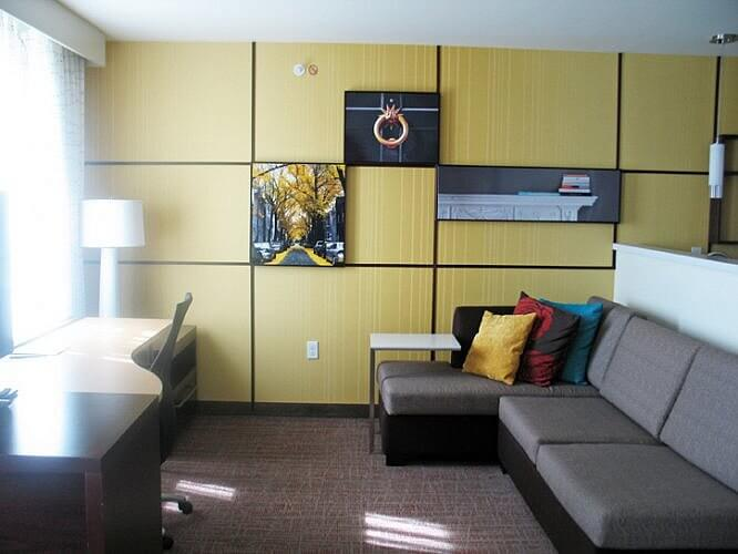 Living room, Residence Inn by Marriott, Decatur-Forsyth, Illinois (Photo by Susan McKee)
