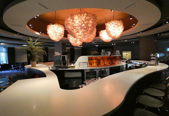 Montreal Doubletree by Hilton lounge