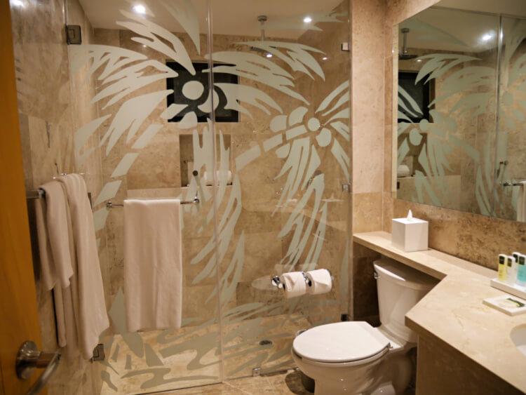 reef playacar bathroom