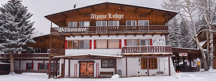 Red River New Mexico Alpine Lodge front