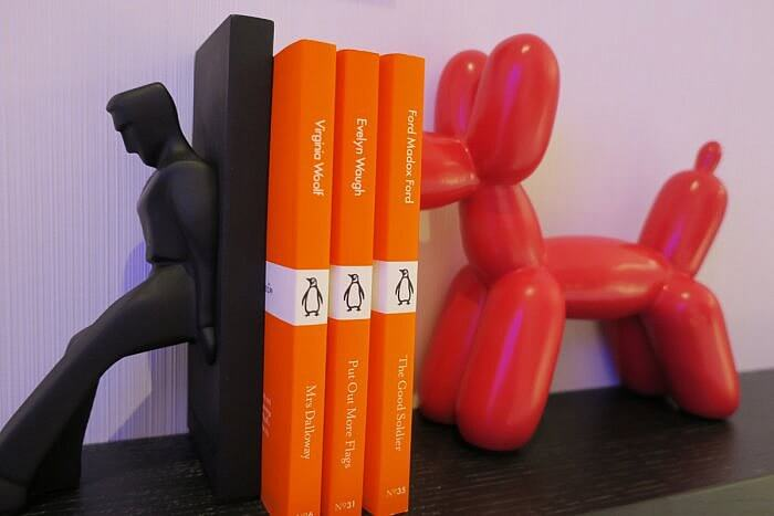 Room book ends and books, citizenM Bowery