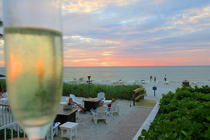 sunset champagne la playa beach and golf resort