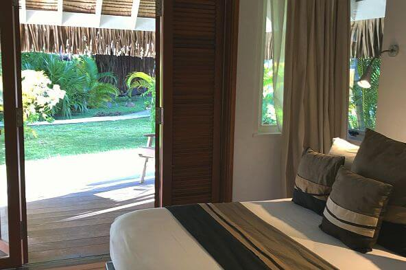 bedroom Moorea Beach Lodge